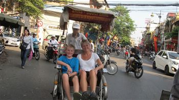 Hanoi cylco tour and walking in old quarter
