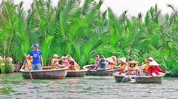 Visit Hoi An by boat to Thanh HaVillages