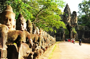 Visit Siem Reap tours from Vietnam