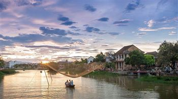 Visit Thu Bon river by boat in Hoi An town