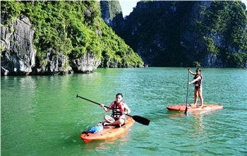 Visit Halong bay tours by kayaking activites