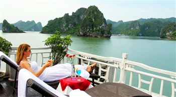 Halong Bay on cruise relaxation