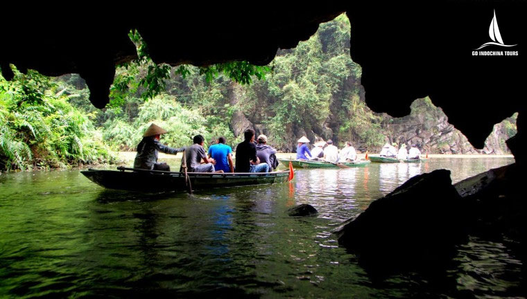 Luon cave exploration by junk boat