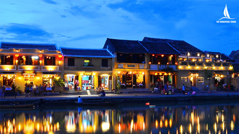 Hoi An ancient town at night with light around