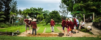 HOI AN CULTURAL TOUR AT TRA QUE VILLAGE (JOINT TOUR)
