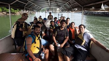 our customer enjoy joining halong bay junk boat